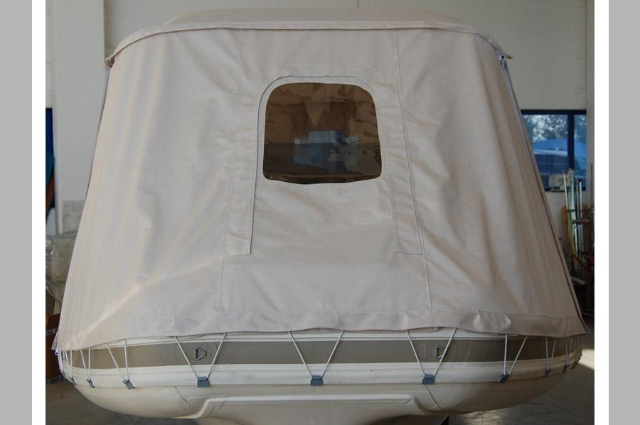 Tenda nautica per gommone la cura dello yacht - Bagno chimico usato ...